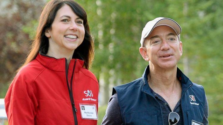 MacKenzie Bezos Jeff Bezos39 Wife MacKenzie Pans New Book About Him With 1