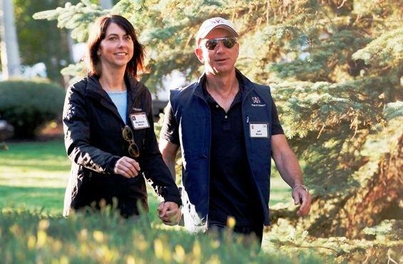 MacKenzie Bezos Mackenzie Bezos Amazon Jeff Bezos Wife bio wiki