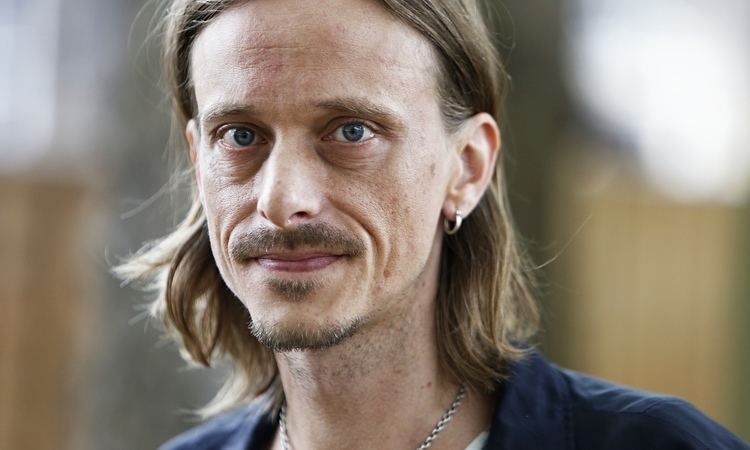 Mackenzie Crook I am the curator of an exhibition no one visits39 Life