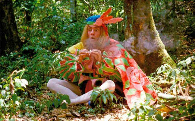Macunaima (film) movie scenes Macuna ma is generally classified as part of the third phase of Cinema Nova the so called cannibal tropicalist phase Tropicalism and the aesthetics of