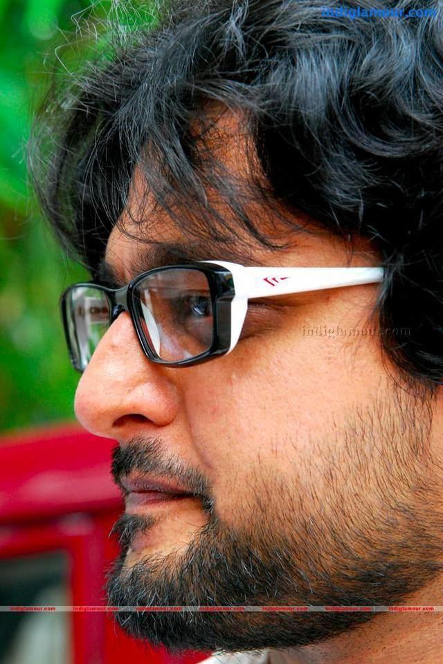 Madhu Warrier Madhu Warrier Malayalam Actor Photos Stills photo 240876