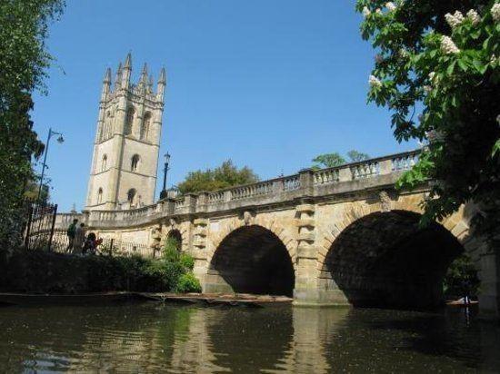 Magdalen Bridge Magdalen Bridge Boathouse Punting Tours Oxford England Top