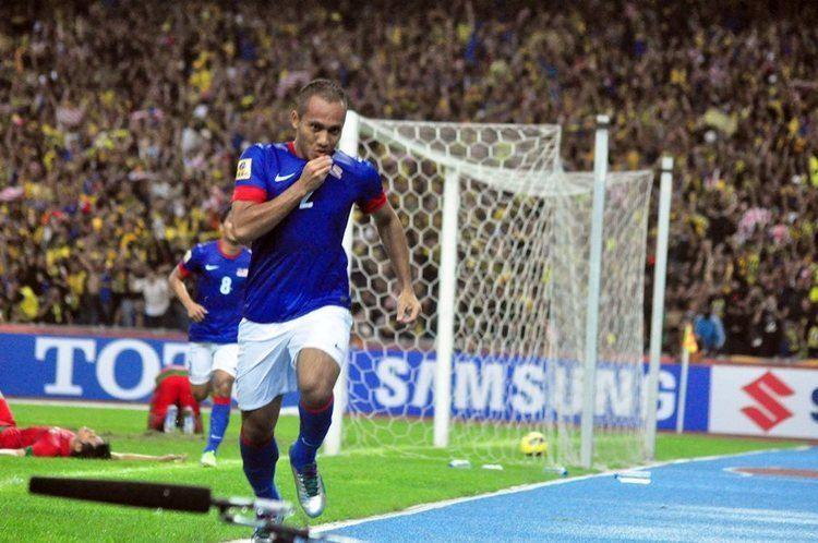 Mahali Jasuli Top 5 Defenders of 2012 AFF Suzuki Cup 1 Goalcom