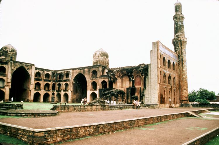 Mahmud Gawan Madrasa Mahmud Gawan Madrasa The collapsed southeast corner gives an