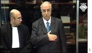 Mahmut Bakalli BBC NEWS Europe Milosevic challenges first witness