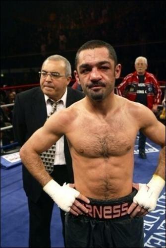 Mahyar Monshipour L39ancien boxeur Mahyar Monshipour contrl 203 kmh sur