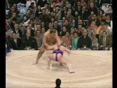 Mainoumi Shūhei Mainoumi vs Musashimaru Haru 1992 YouTube