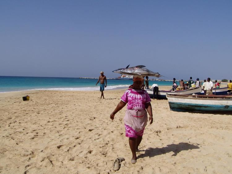 Maio, Cape Verde httpsnotesfromcamelidcountryfileswordpressco