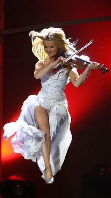 Mairead Nesbitt Mirad Nesbitt39s httpwwwmaireadnesbittcom Fiddle