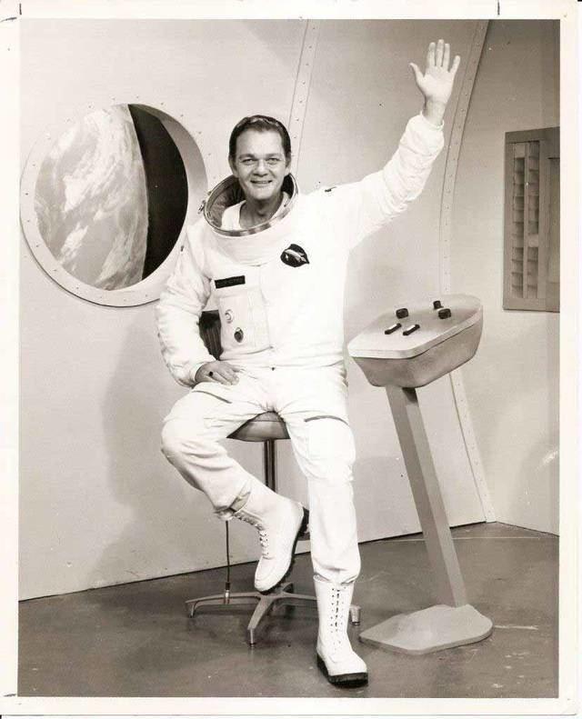 Major Astro Tom Leahy Jr Kansas television39s Major Astro dies at 87 The