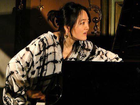Makiko Hirabayashi wwwjazzpagescomkumpfhirabayashi450pjpg