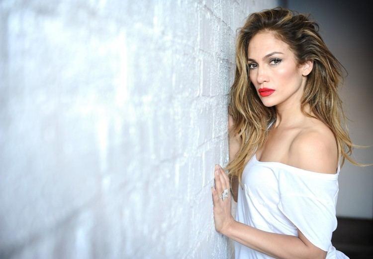 MakSim Jennifer Lopez shuts down rumors linking her to Maksim