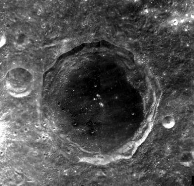 Maksutov (crater)