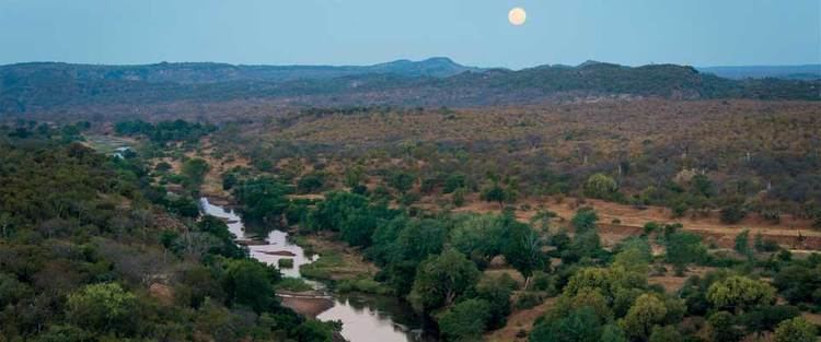 Makuleke riverofthemakulekefromtheoutpostsafarilodgejpg