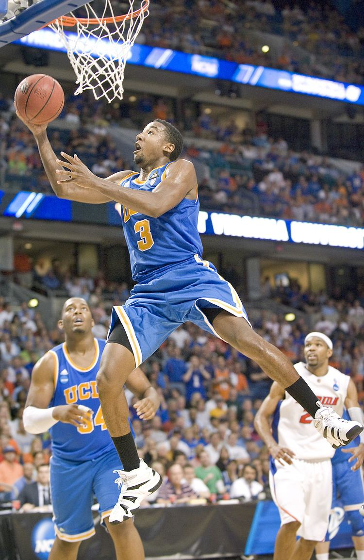 Malcolm Lee (basketball) Malcolm Lee will hire an agent and enter the NBA draft ending his