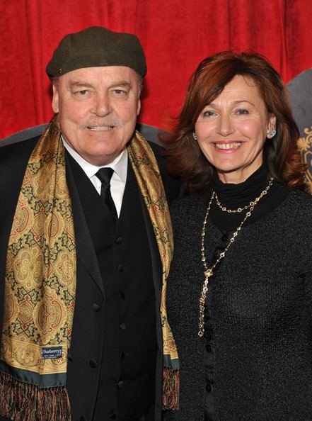 Malgosia Tomassi Malgosia Tomassi and Stacy Keach Photos quotEnd Of The