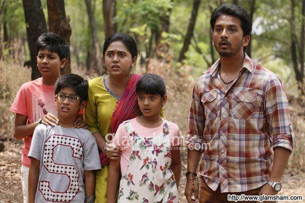 Mamachya Gavala Jaaoo Yaa movie scenes view more MAMACHYA GAVALA JAAOO YAA movie stills