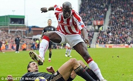 Mamady Sidibé Mamady Sidibe handed new Stoke deal despite not playing for two