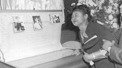 Mamie Till The politics of black parenting in a racist world Gary