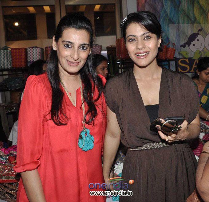 Mana Shetty Mana Shetty39s Araish39s Exhibition Filmibeat Gallery