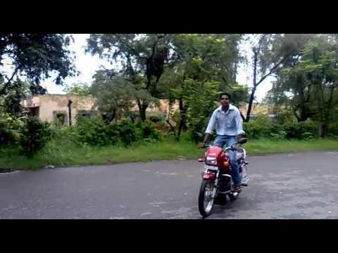 Mankapur Shahid khans bike stunt 29 june 2011 iti mankapur YouTube