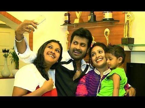 Manoj K. Jayan Manoj K Jayan with Wife Daughter Son YouTube