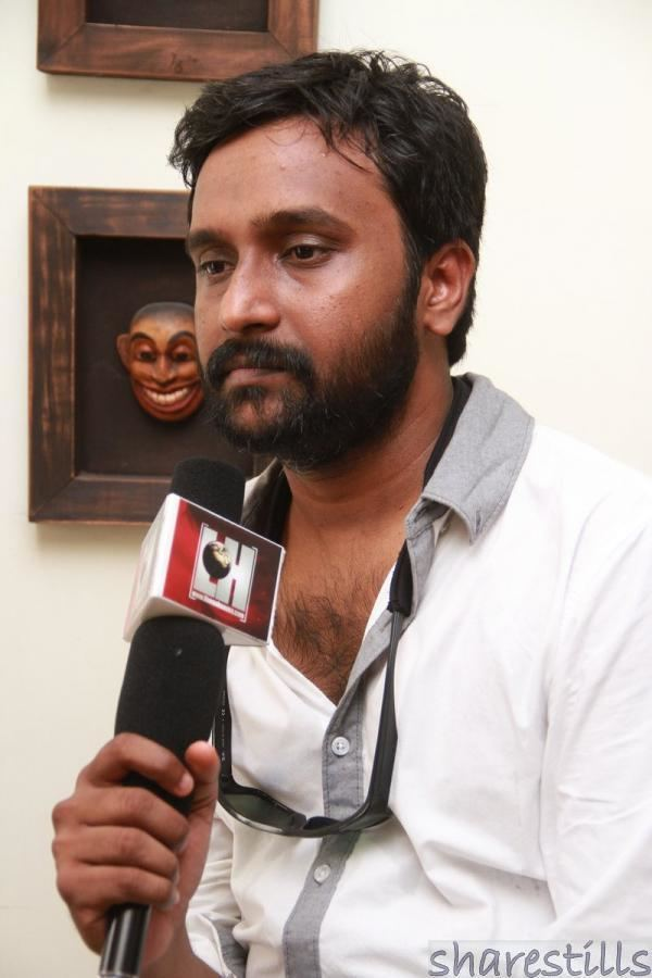 Manoj Paramahamsa Manoj Paramahamsa at Poovarasam Peepee Press Meet