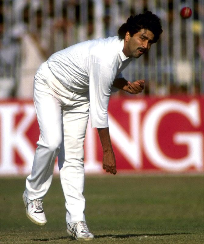 Manoj Prabhakar (Cricketer) playing cricket