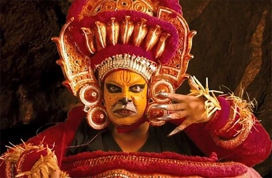 Manonmani movie scenes Has any Indian star bared himself and bored into himself on screen the way Kamal has in Uttama Villain The closest cinematic cousin is probably