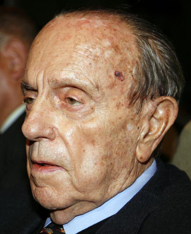 Manuel Fraga Iribarne FileManuelFragaIribarnejpg Wikimedia Commons