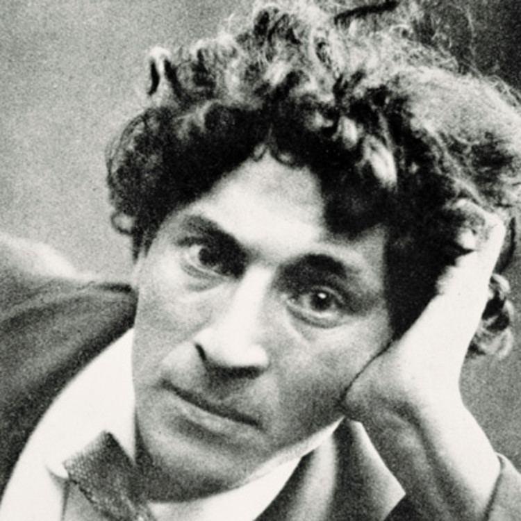 Marc Chagall httpswwwbiographycomimagetshareMTE1ODA0O