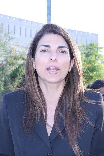 Marcela Guerra Castillo La Diputada Marcela Guerra vista la colonia Garza Nieto