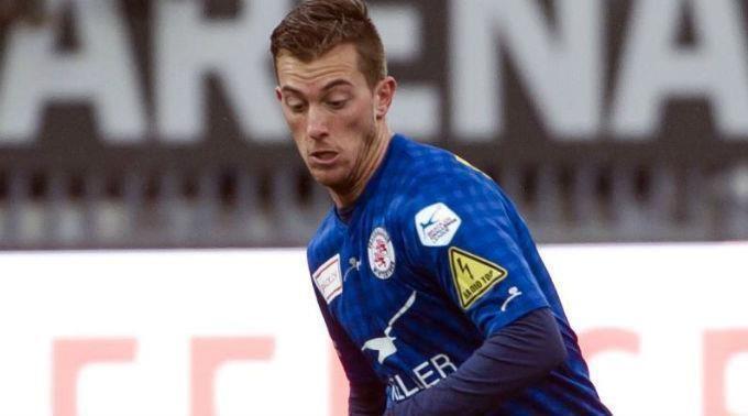 Marco Aratore fussballch St Gallen schnappt sich Aratore und Thrier