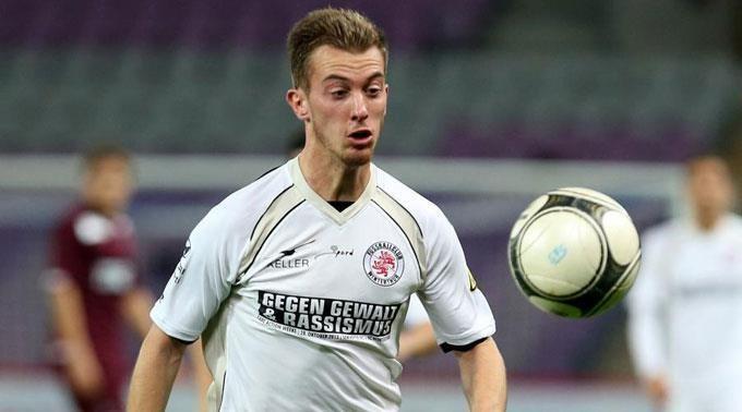 Marco Aratore fussballch Basel und Zrich hinter Aratore her
