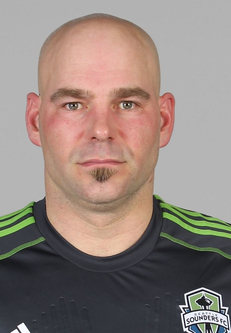 Marcus Hahnemann Hahnemann explains what he said for red card Sounders