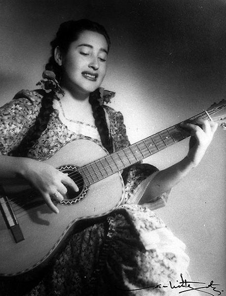 Margot Loyola U de Chile despide a Margot Loyola destacada folclorista