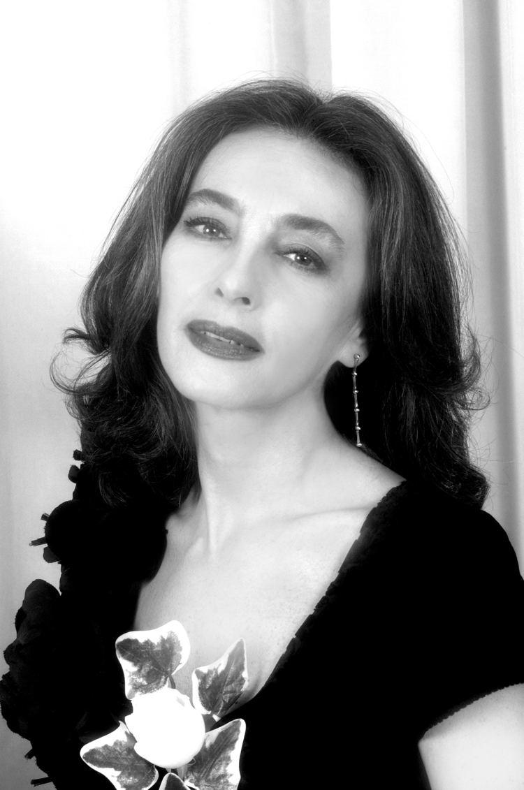 Maria Rosaria Omaggio Nude Photos 12