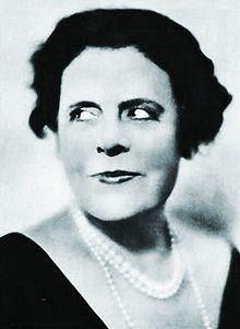 Marie Dressler httpsuploadwikimediaorgwikipediacommonsthu