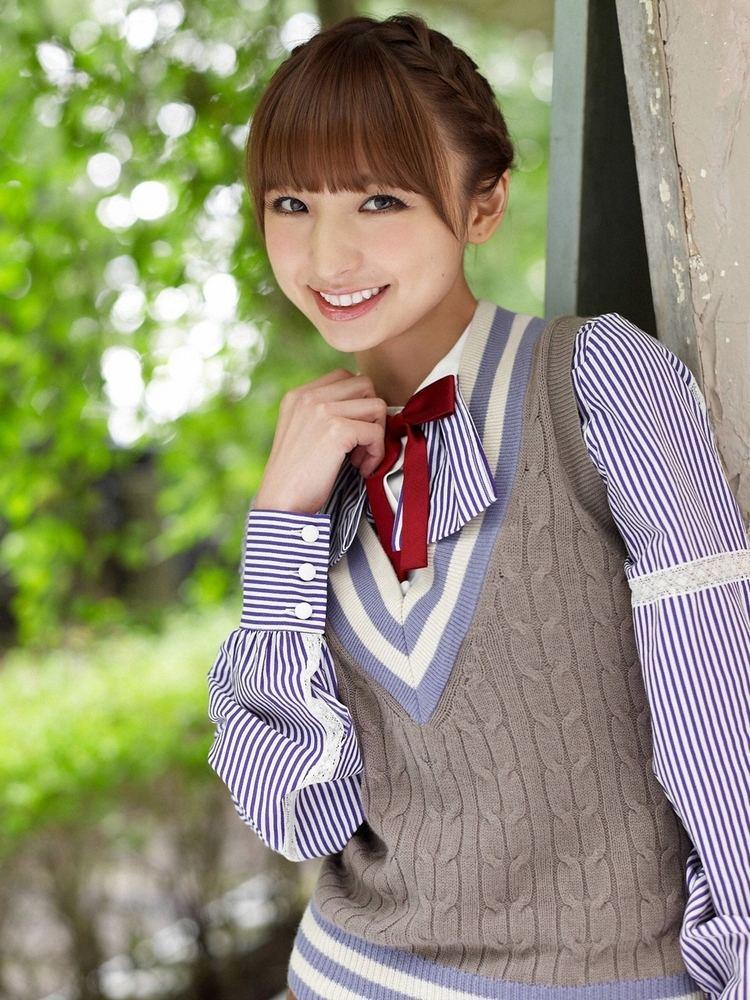 Mariko Shinoda Mariko Shinoda IXA Ready Fist On Page 2