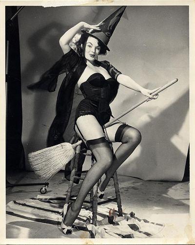 Marilyn Hanold The model for Gil Elvgrens Riding High is Marilyn Hanold aka