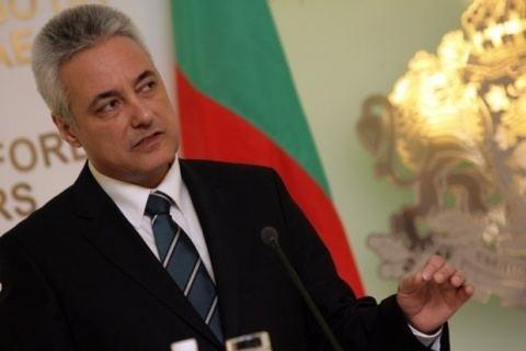 Marin Raykov Bulgarian PM Dispels Rumors He Is US Citizen Novinite