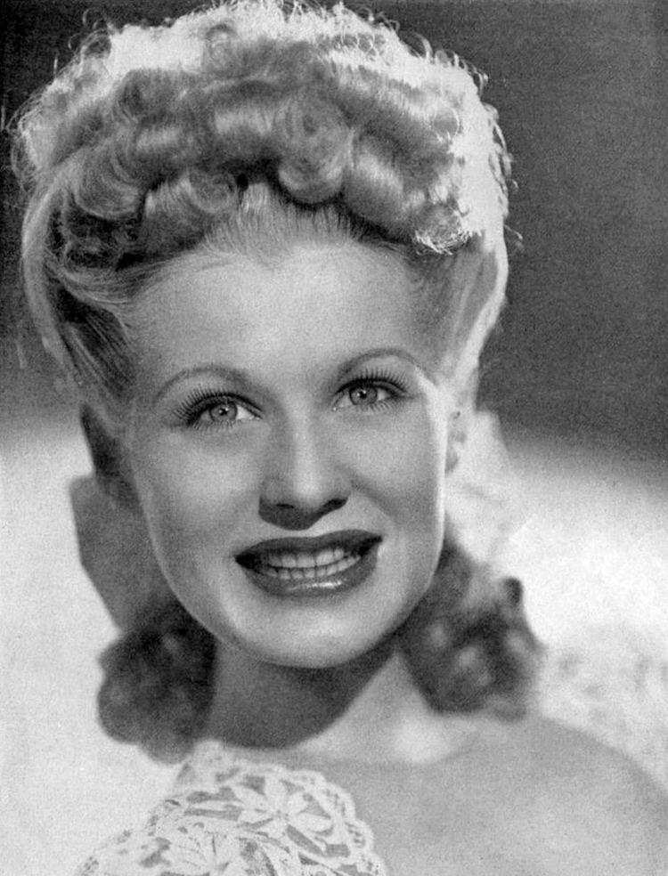 Marion Hutton httpsuploadwikimediaorgwikipediacommonsaa