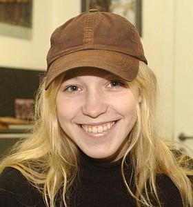 Mariya Shalayeva staticcinemarxropozepersoanemari200910Mari