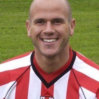 Mark Bailey (footballer) wwwpeoplesrusportfootballmarkbaileybailey1jpg