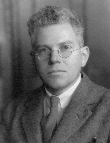 Mark Oliphant httpsuploadwikimediaorgwikipediacommons33