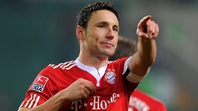 Mark van Bommel Van Bommel signs new Bayern contract UEFA Champions