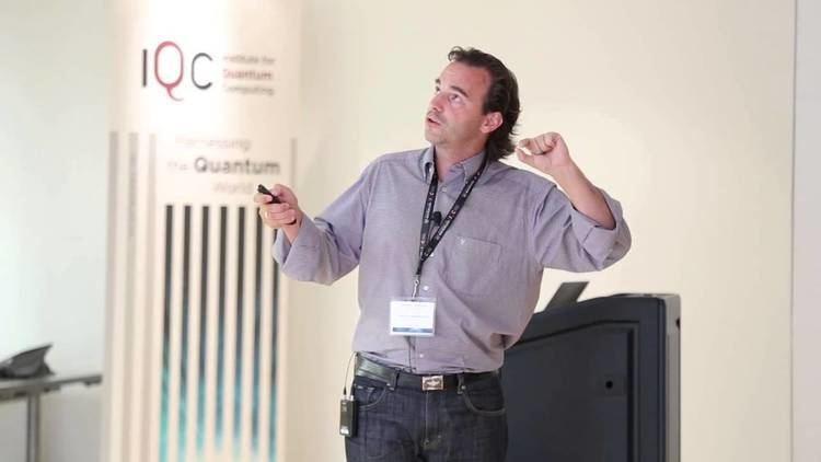 Markus Aspelmeyer Quantum controlling levitated nano and microspheres Markus