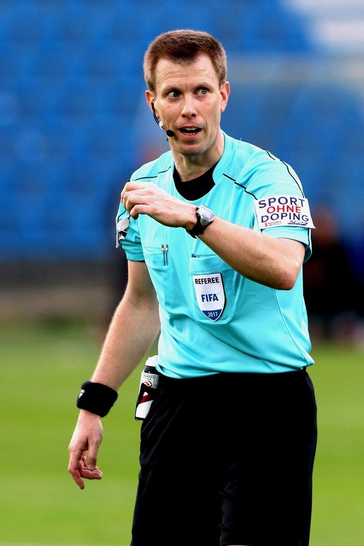 Markus Hameter FileMarkus Hameter referee 20170505 05jpg Wikimedia Commons
