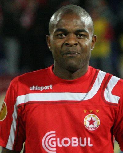 Marquinhos (footballer, born April 1982) staticweltsportnetbilderspielergross128760jpg