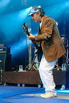 Martin Glover httpsuploadwikimediaorgwikipediacommonsthu